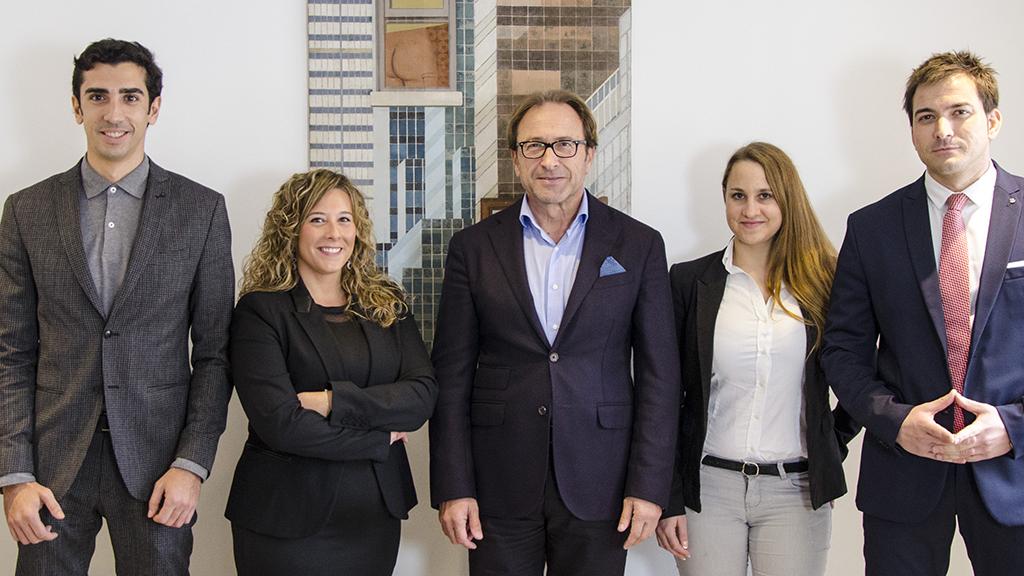 Producción de vídeo corporativo en Benissa y fotografía corporativa de abogados para 1clickLawyers