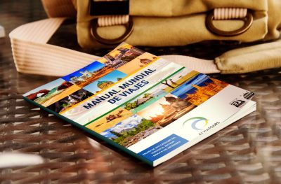 Diseño de catálogo para agencia de viajes en Alicante