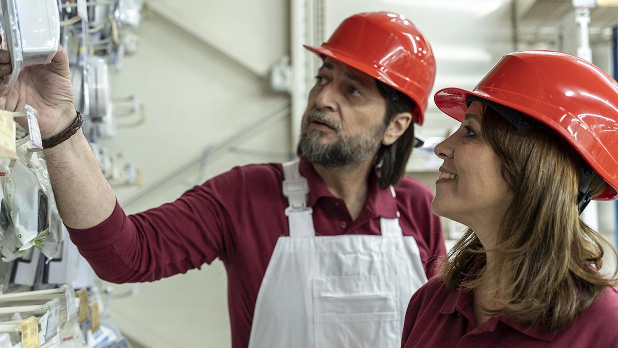 Campaña publicitaria anual en Alicante para almacén de construcción