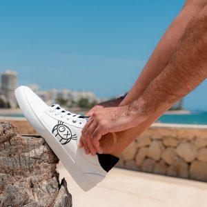 Grabación de fabricación de calzado reciclado y fotografía en Elche - Sàrsia Publicitat