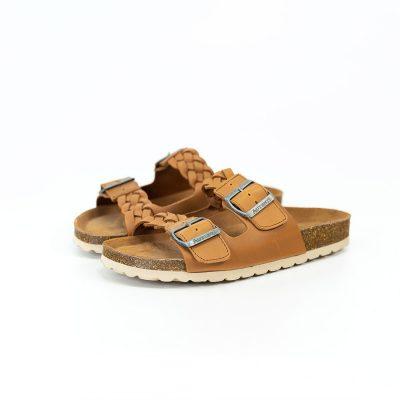 fotografía fondo neutro de calzado fabricado en Alicante